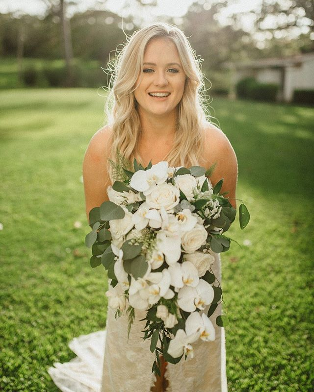 Beauty by Owner Christa Coordination: @love_letter_weddings  Photographer: @chelseaabril  Florals: @sanddollarsfloral  Venue: @dillinghamranch