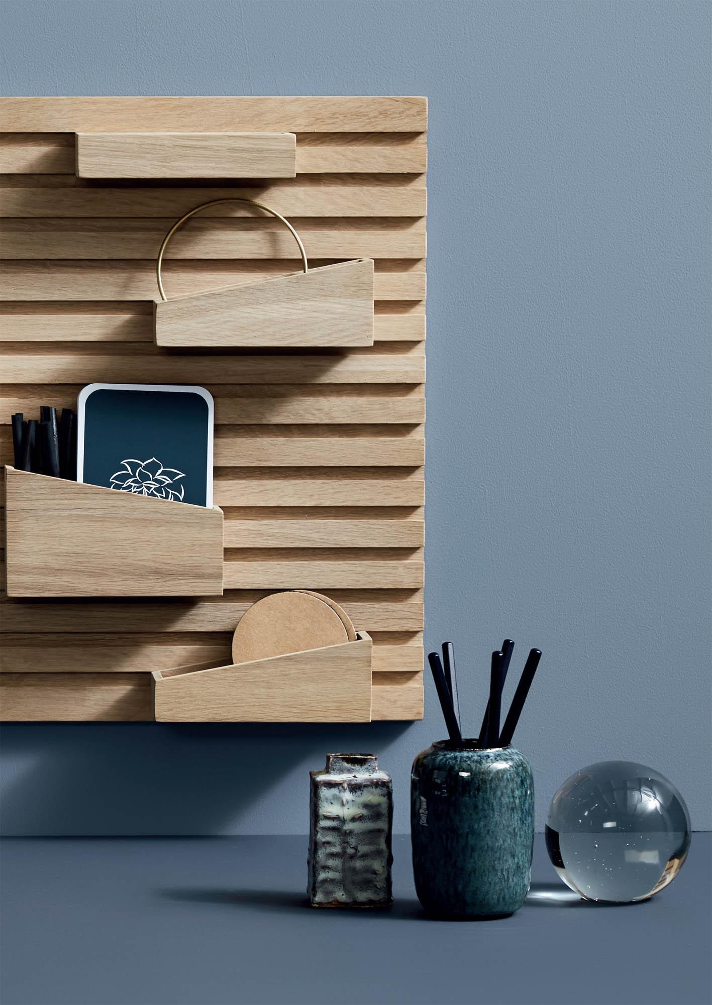 Input Shelf by Woud.