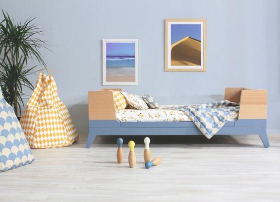 Nobodinoz bed in horizon thalassa blue.