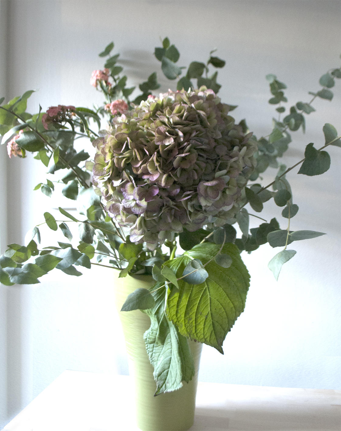 My attempt at a Grace & Thorn style arrangement - I think it probably needs a lot more foliage!