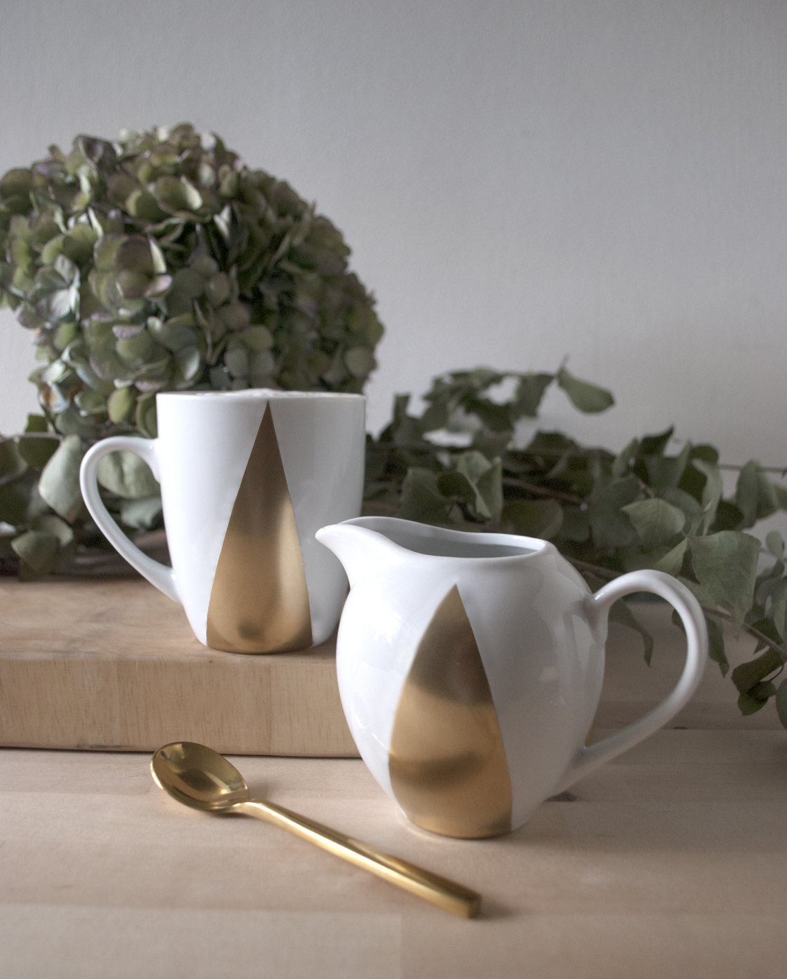 DIY Xmas Gifting: Gold Graphic Tableware