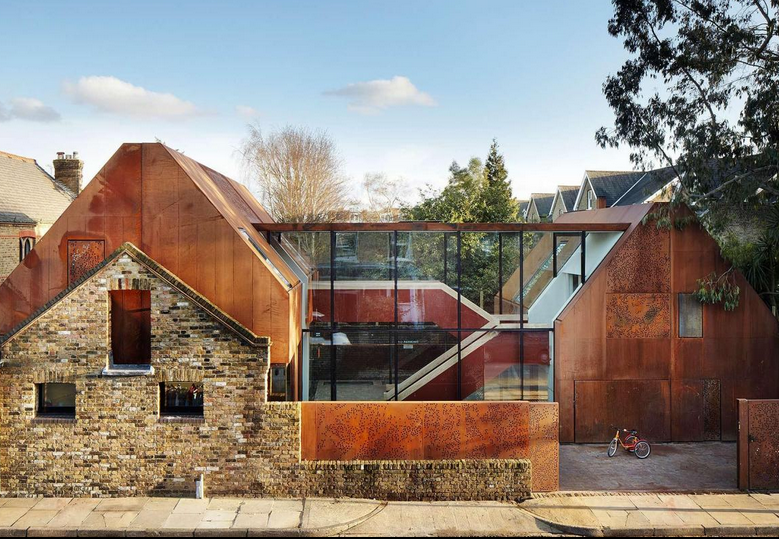 Set within south-west London, Kew House is an award-winning family home built on land where there were previously seven garages.  Read more here .