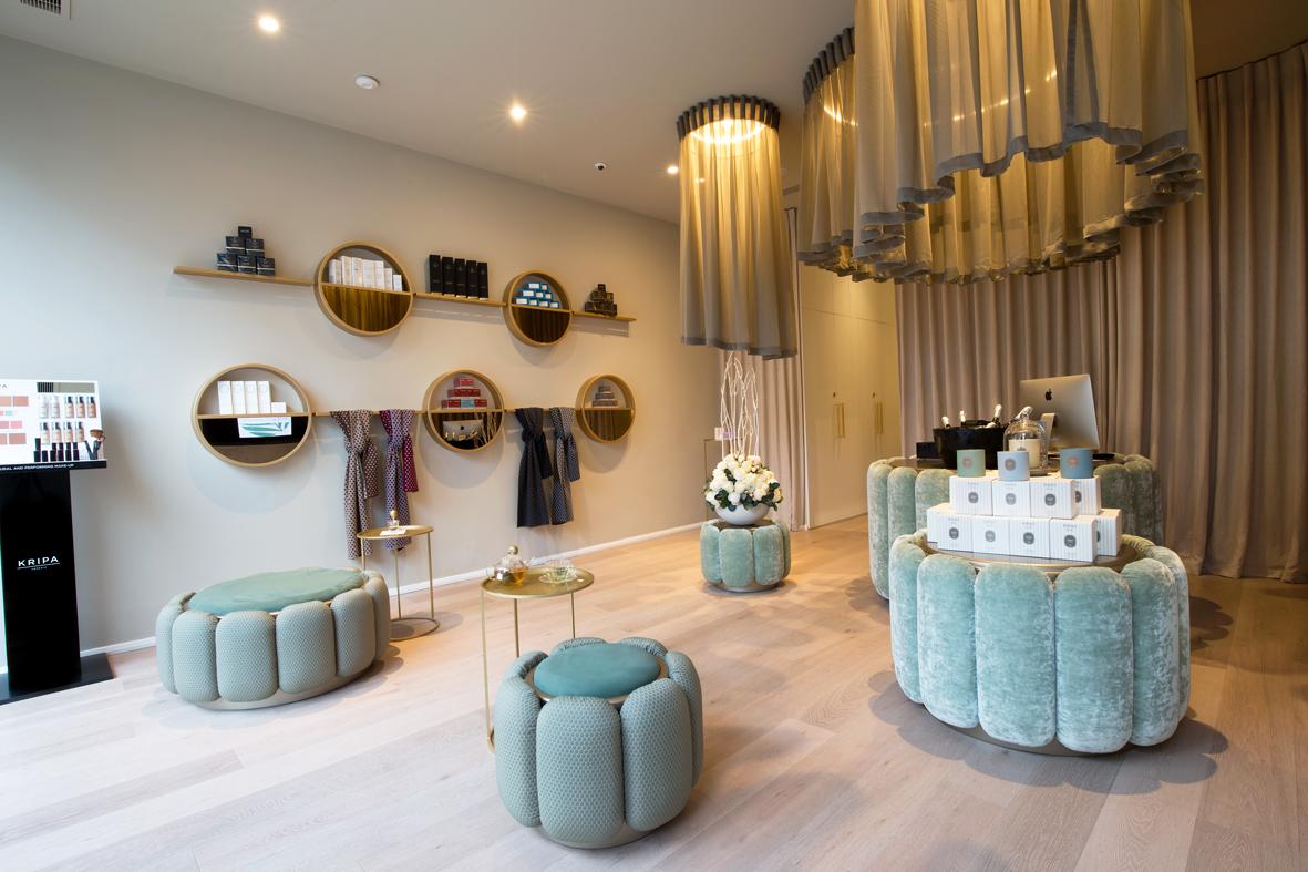 Ella Di Rocco's Reception area