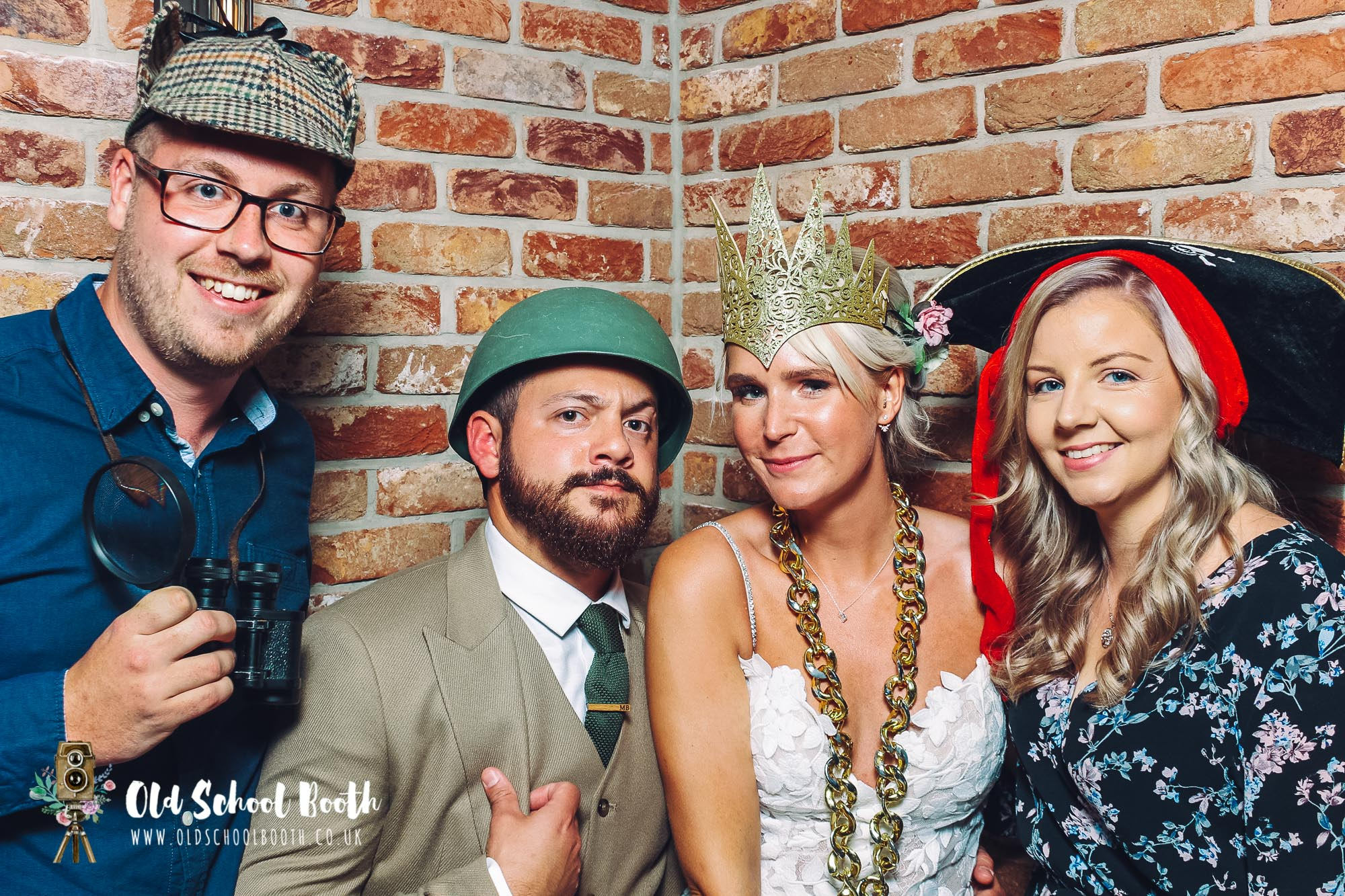 hurt arms ambergate photo booth