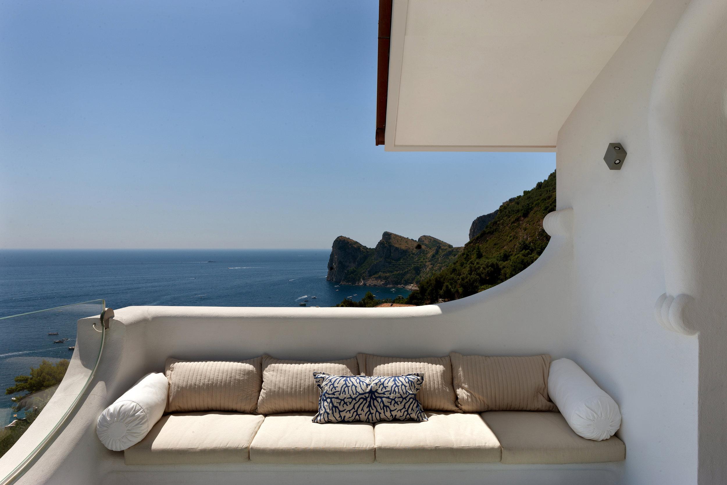 Terrace-01.jpg