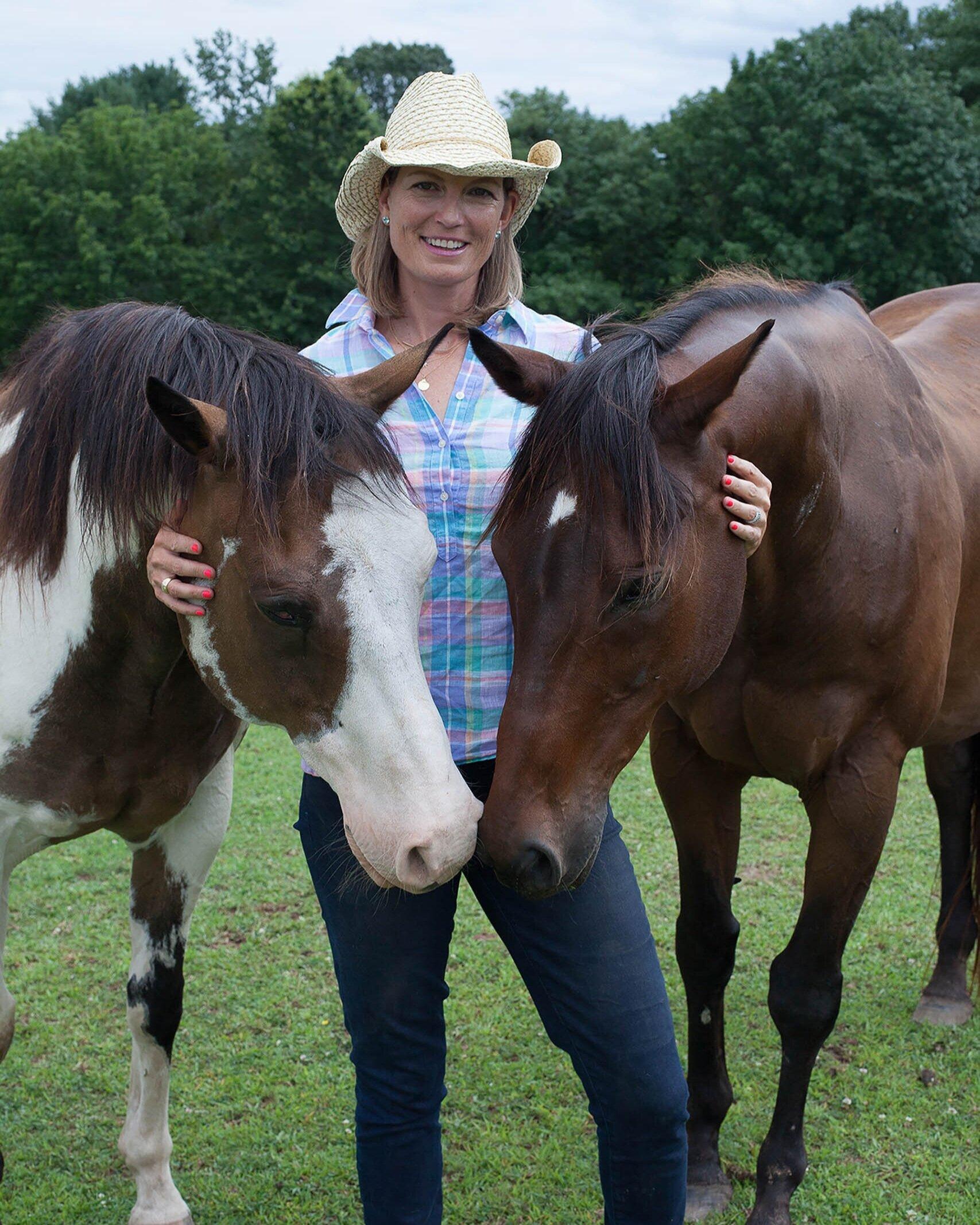 Jocelyn+Ring+Horses.jpg