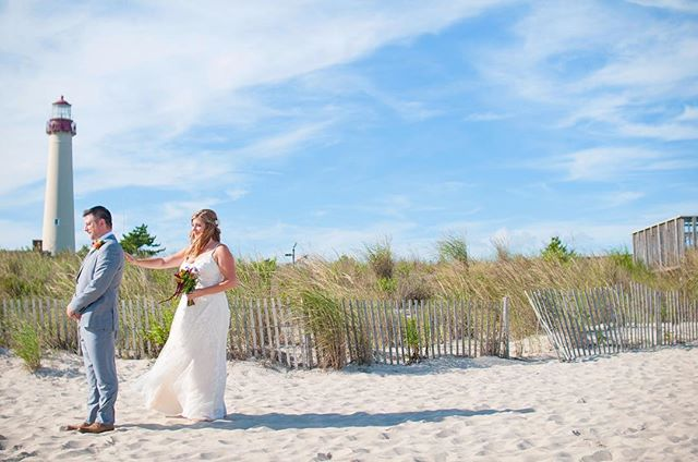 Finishing up editing this beautiful September wedding and dreaming of blue skies and warmer weather 💭