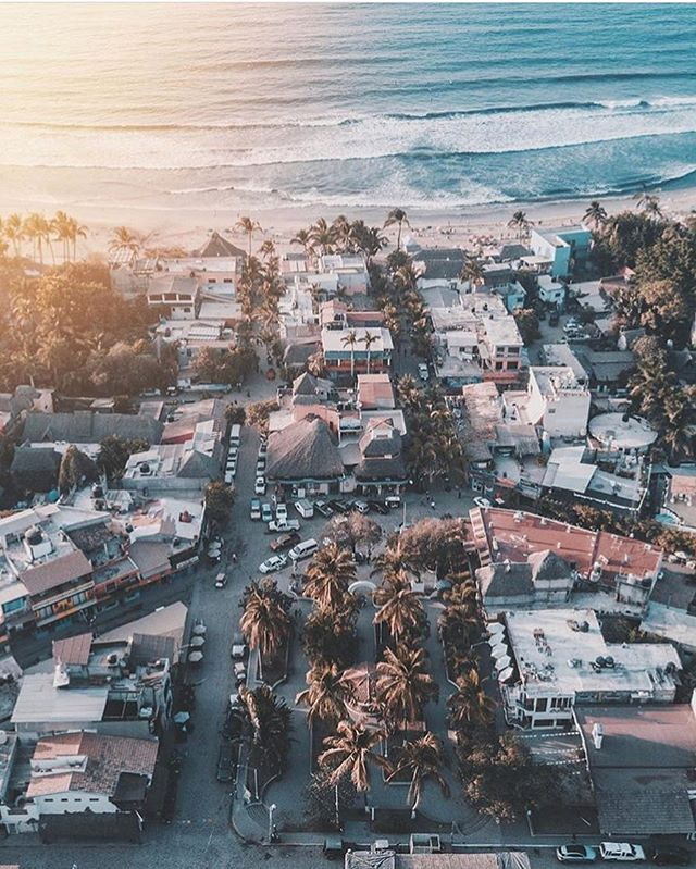 Sayulita Sunset Vibes by @curtbarter ✨
