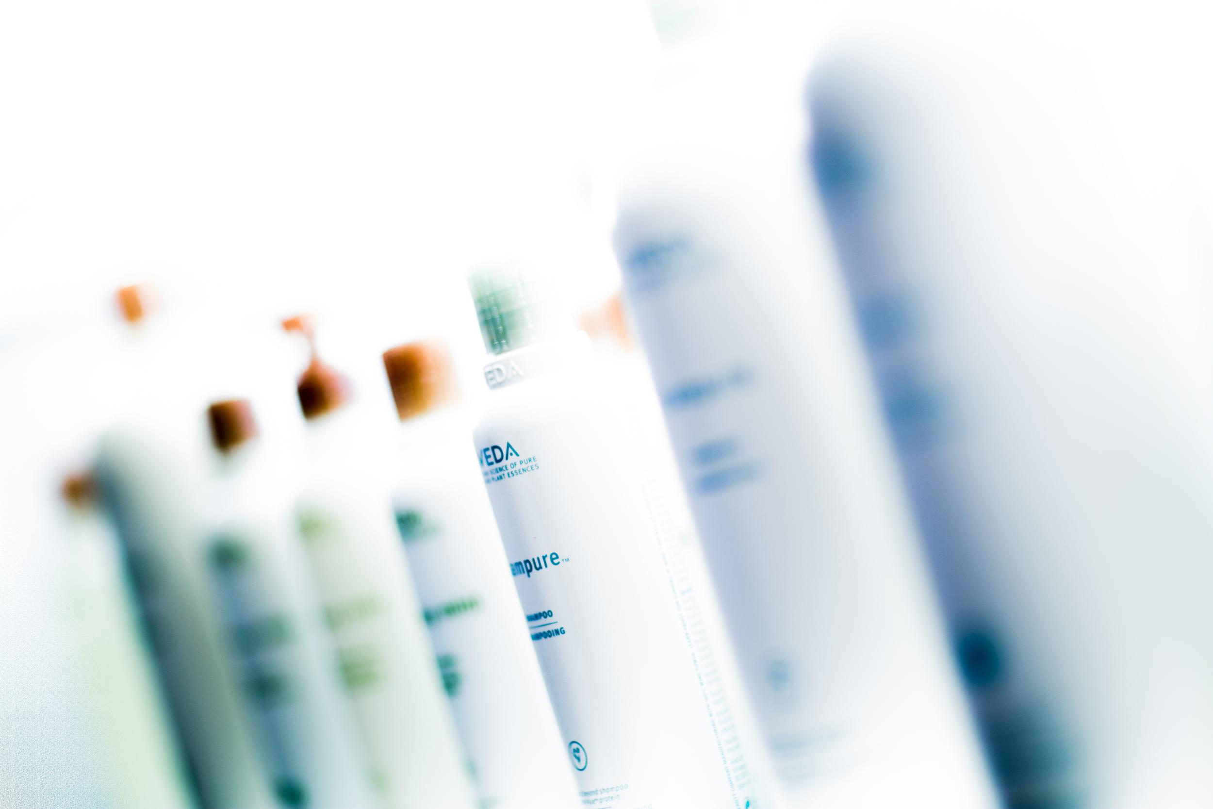 Die Wiener Friseure arbeiten mit nachhaltigen Aveda Produkten.