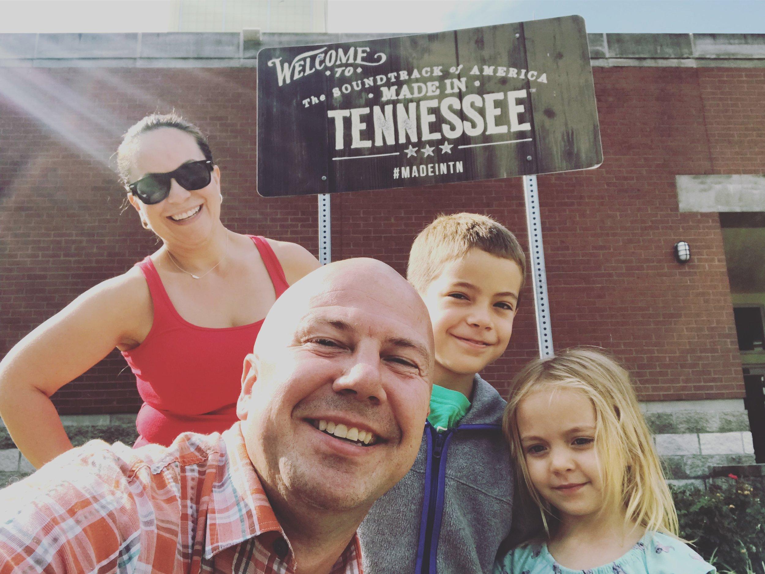 Lee-Nashville Road Trip 2018-07 Tennessee state line.jpg