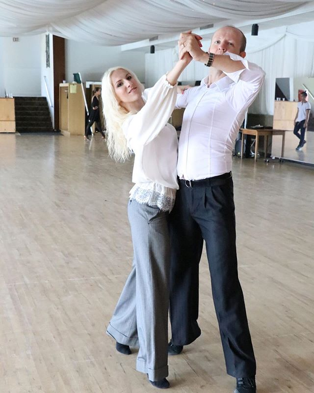 Instructor Spotlight 🔥 The amazing Andrey and Yuliya Klinchik will be teaching at VIVA Dance Camp 2019! These incredible instructors have been with us since 2013 😱 We couldn't imagine camp without them ❤️ . . . . . . . . . .  #vivadancecamp #vivacamp #dancecamp #summercamp #summerintensive #vdc19 #ballroomdancing #ballroom #ballroominstructors #ballroomprofessionals #dancesport #dancesportlife #ballroomlife #findyourfire