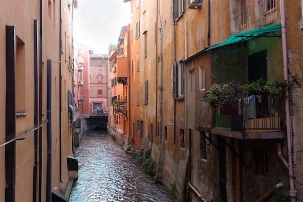 The Finestrella, one of the hidden canals that people told me looks like Venice... spoiler - it doesn't but it's still pretty.