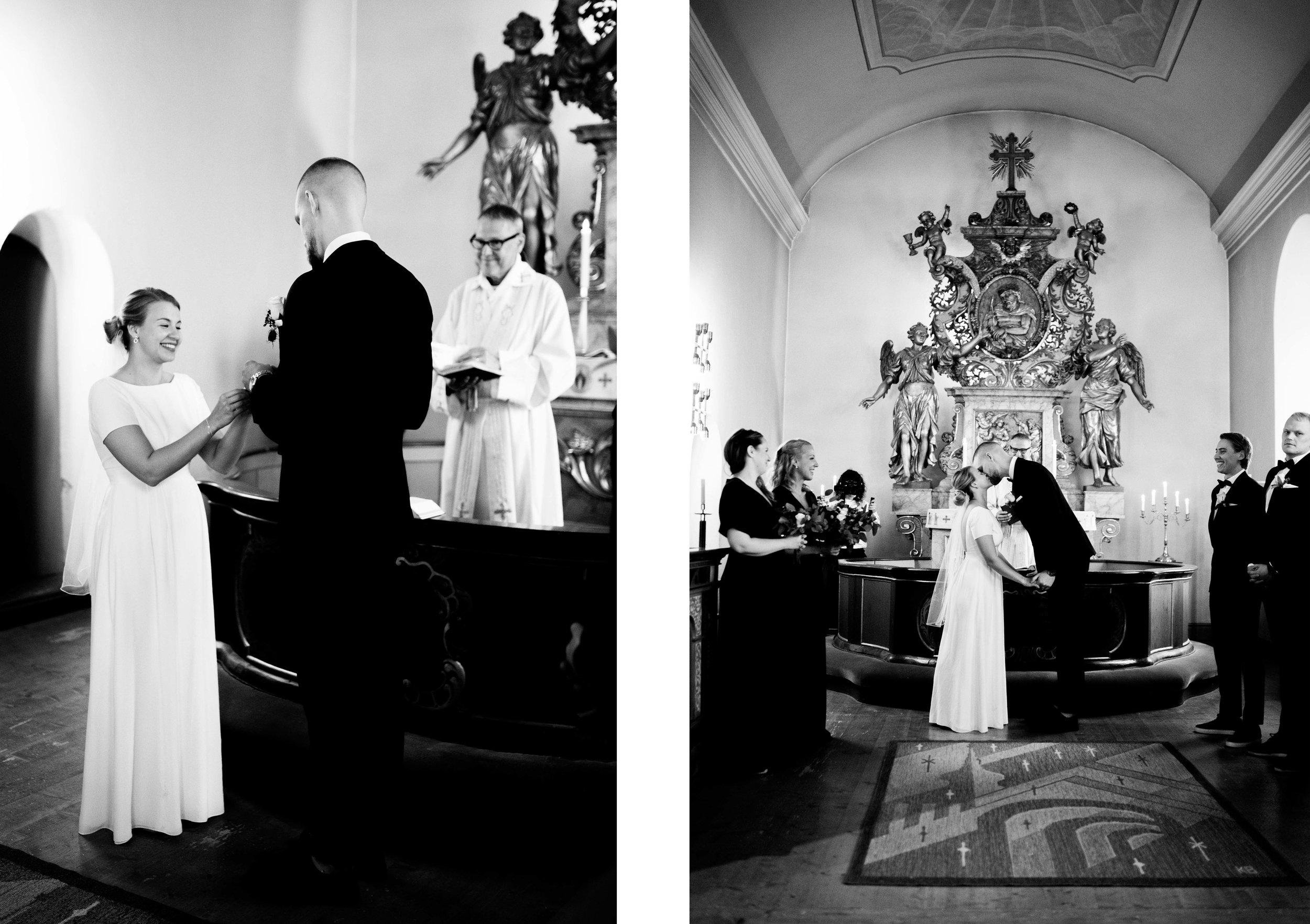 blogg två i en kyrka.jpg