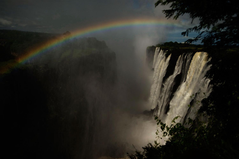 travel-2016-victoria-falls-photo.jpg