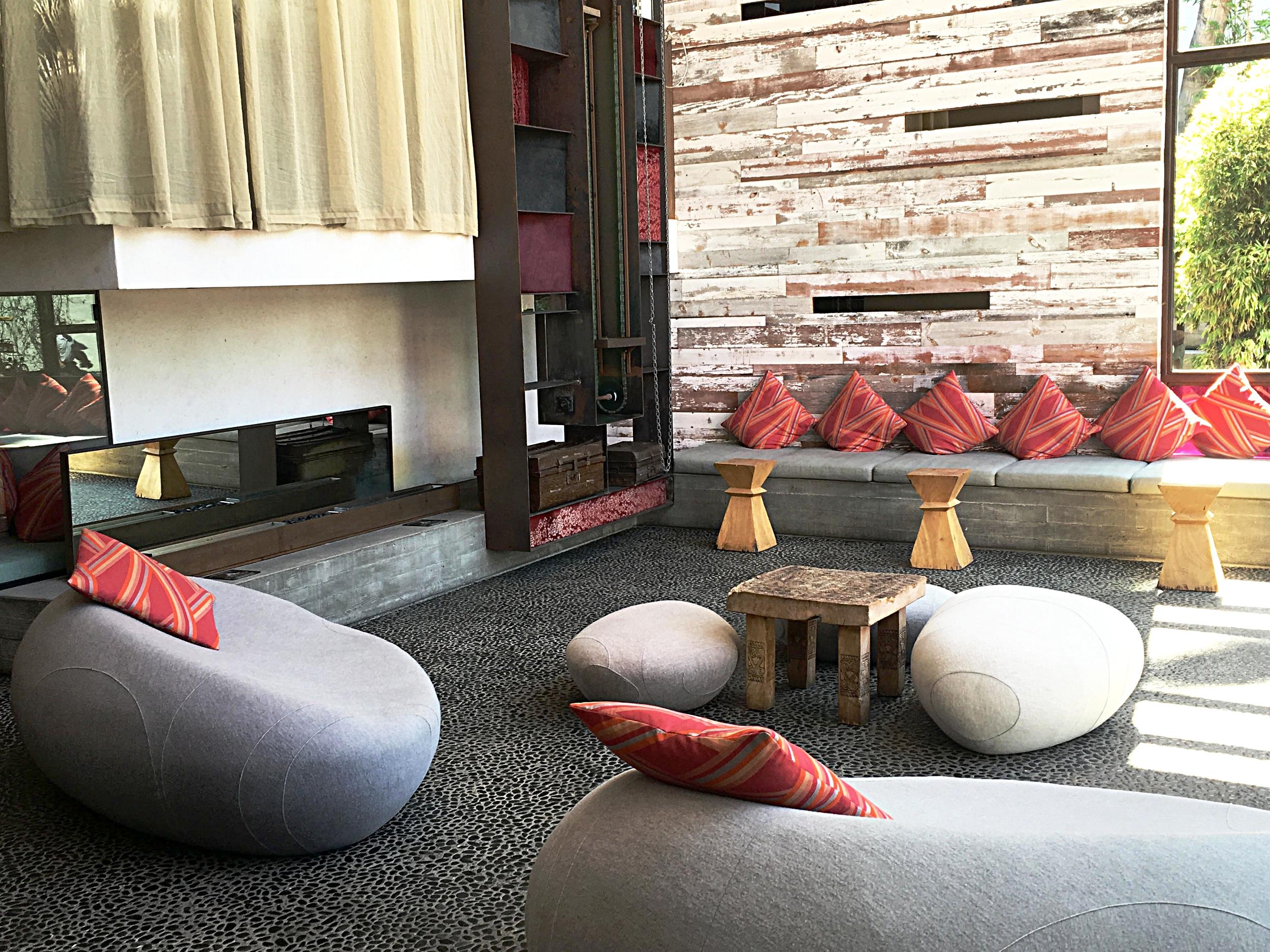 Lobby area - Hotel Maya