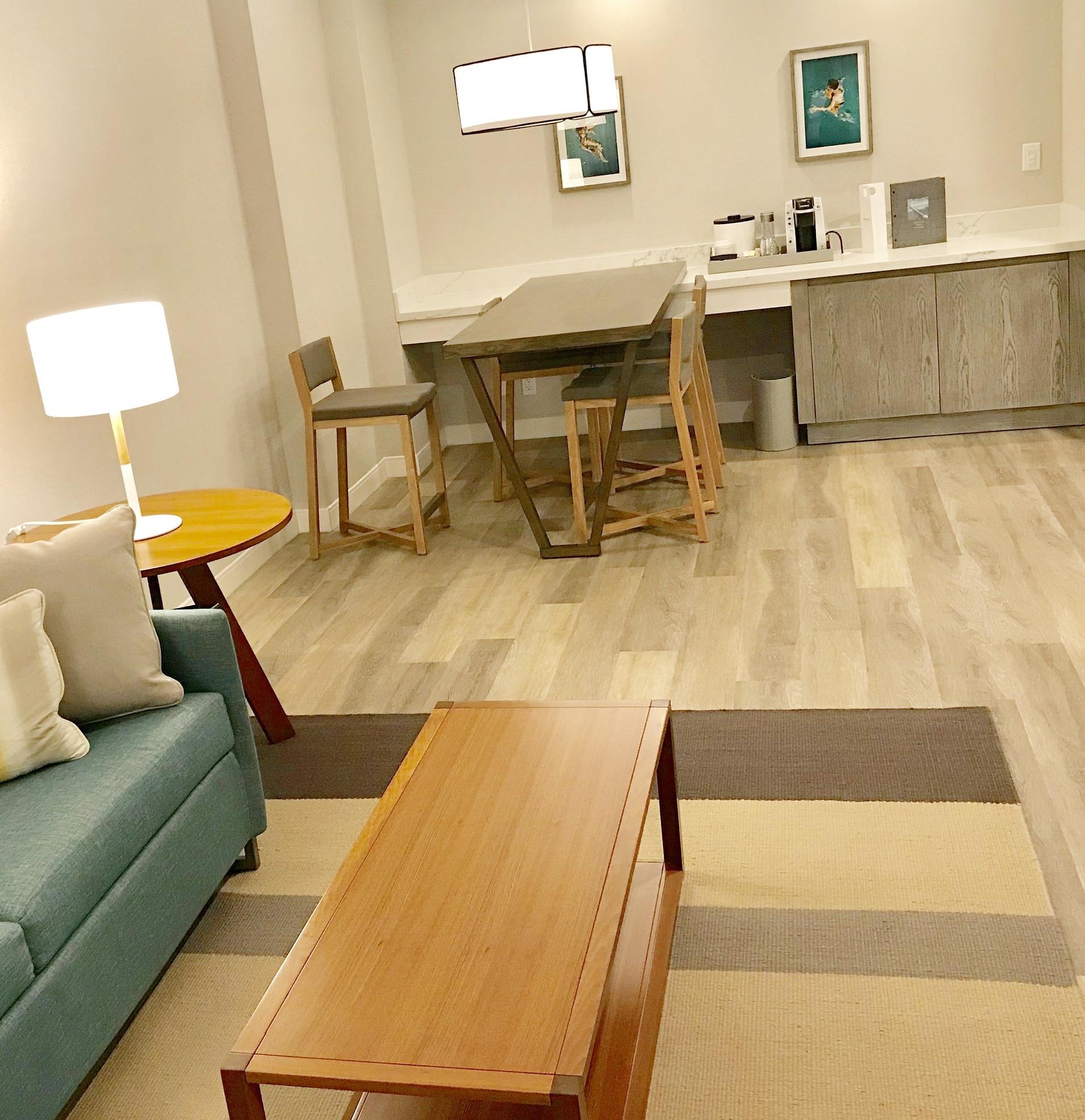 Living room of a Suite @WestDrift Hotel an Autograph Collection - Manhattan Beach
