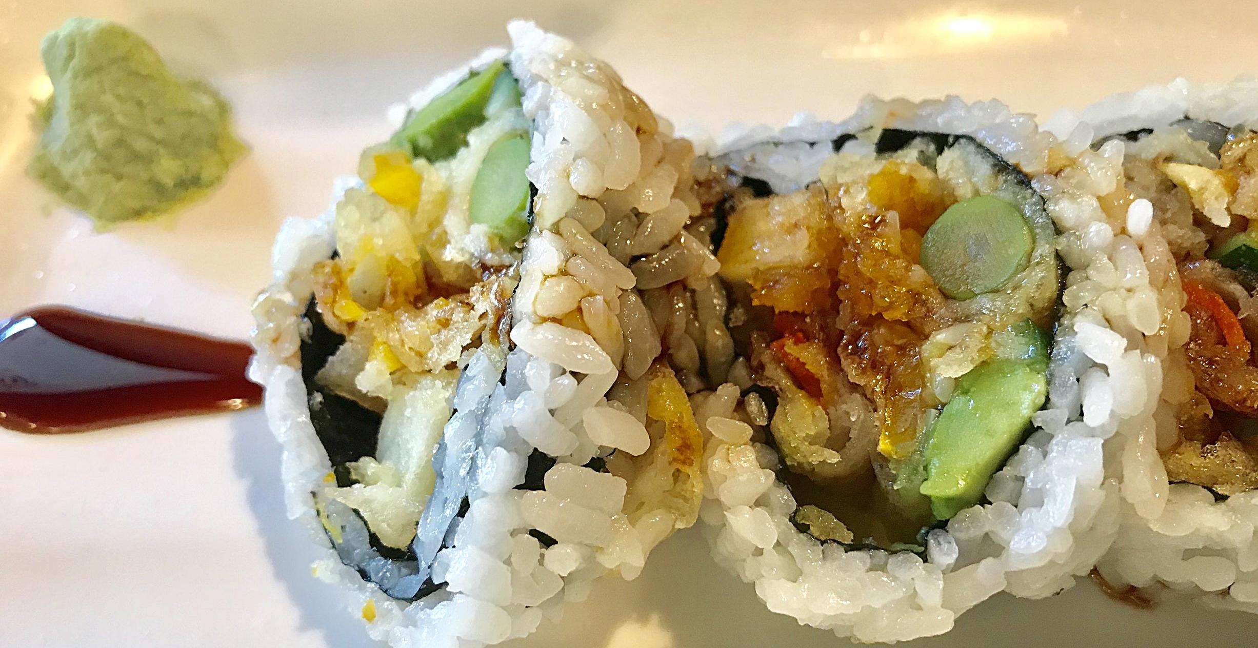 Veggie Tempura roll! @WasabiKoreaTown