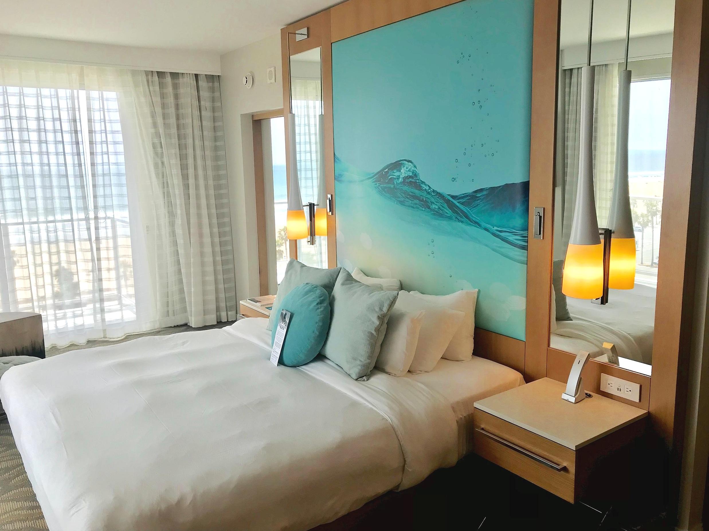 250 - Guest Rooms with ocean views @PaseaHotelandSpa