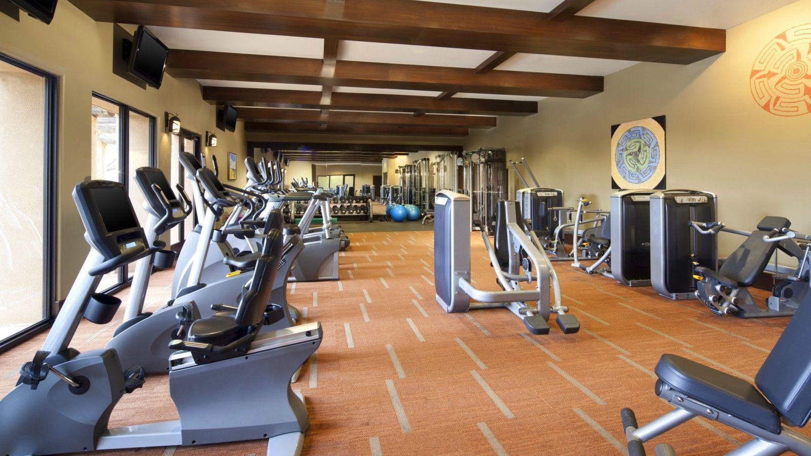 she1391fc-114897-FitnessCenter1600900.jpg