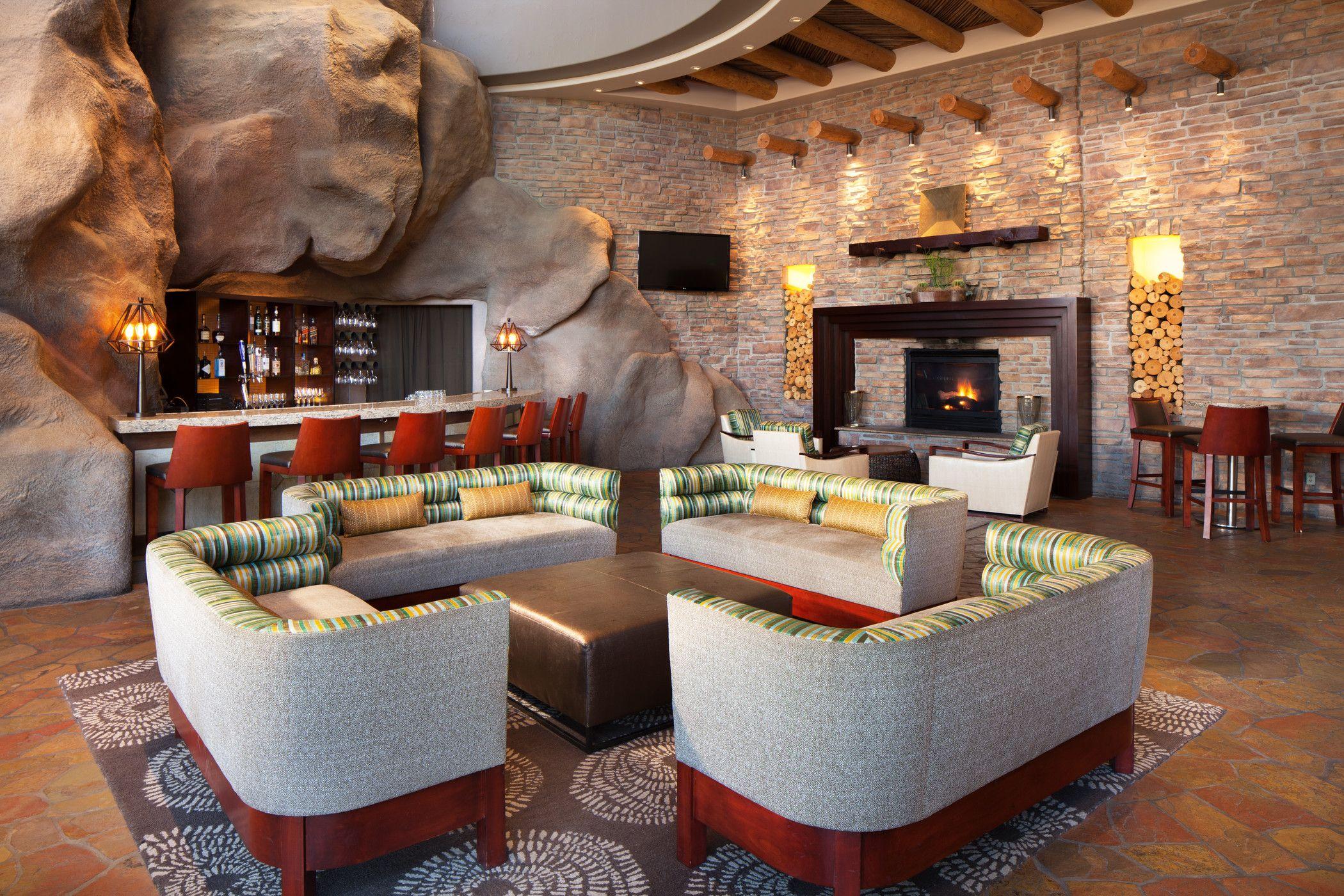 Lower-Lobby-Bar---Med.jpg