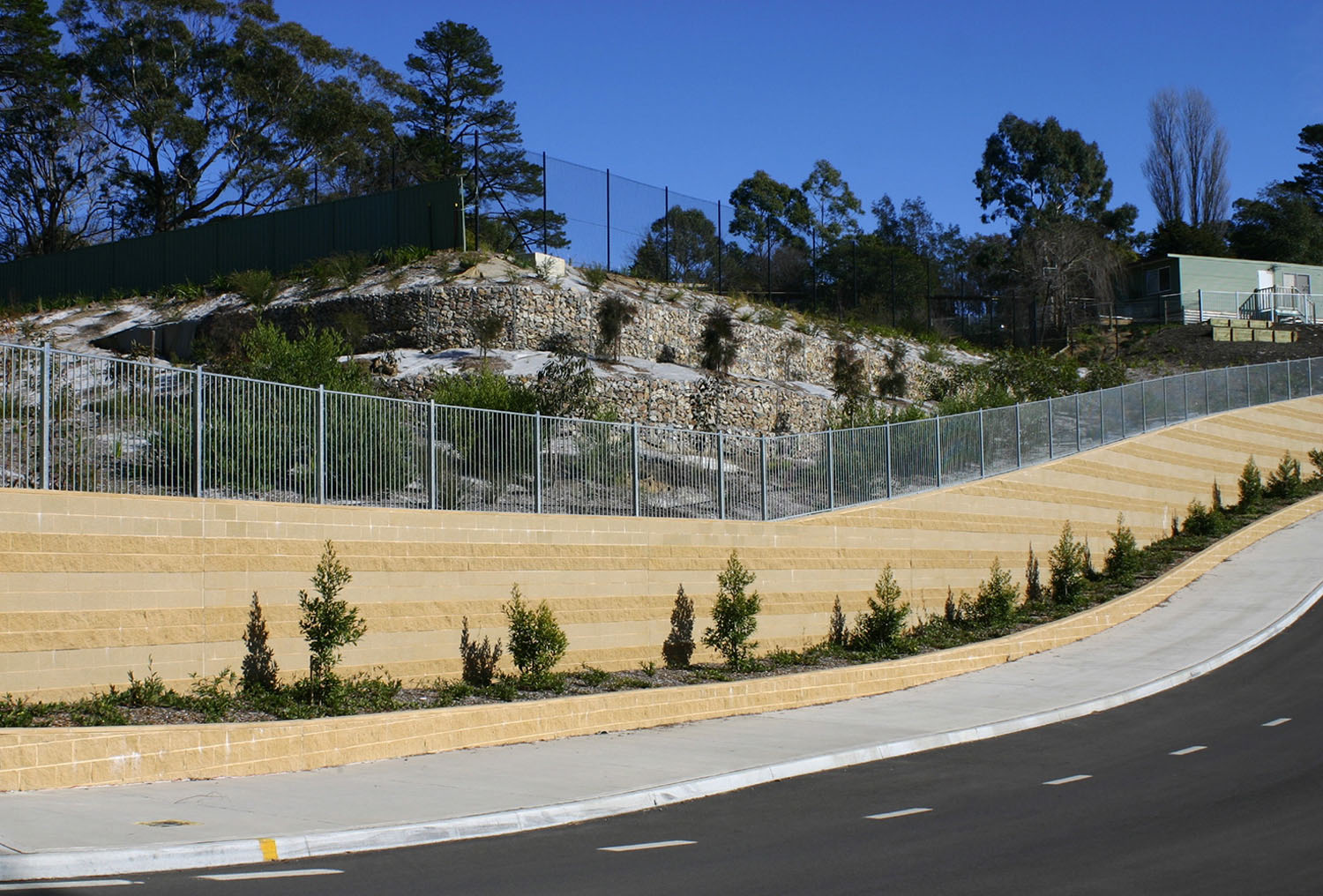 planting-and-retaining-to-access-road-3.jpg