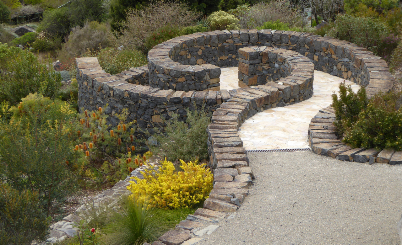 basalt wall  (2).jpg