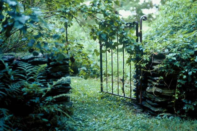 Steepletop,  Poet Edna St. Vincent Millay's Garden, provided her with space to create gardens that satisfied her earth-ecstatic nature and gave her endless inspiration for some of her most beloved work.  Garden Tour: Saturday,   August 20, 2016, 10:00am - 4:30pm, Austerlitz, NY