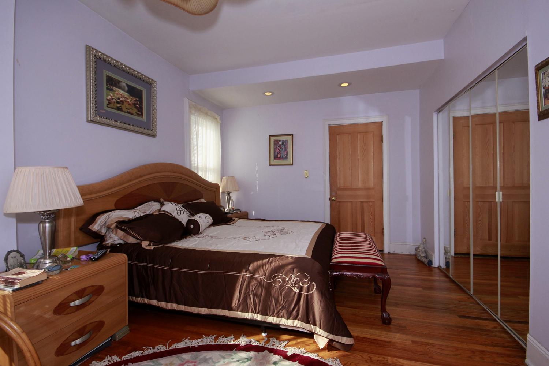 Historic District Mansion, Master Bedroom