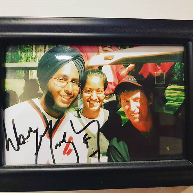 #HappyBirthday to #TheGreatOne, #99 #WayneGretzky...whom my sister, Gurdeep, and I met at one of his charity golf tournaments in #Edmonton in 2002 (where this pic was taken). The next year, his tournament was in #Calgary, and he autographed the picture we took with him!  #Gretzky #Jan26 #Number99 #Birthday #Bday #Hockey #Legend #NHL #Gretz #Memories #memoryofalifetime