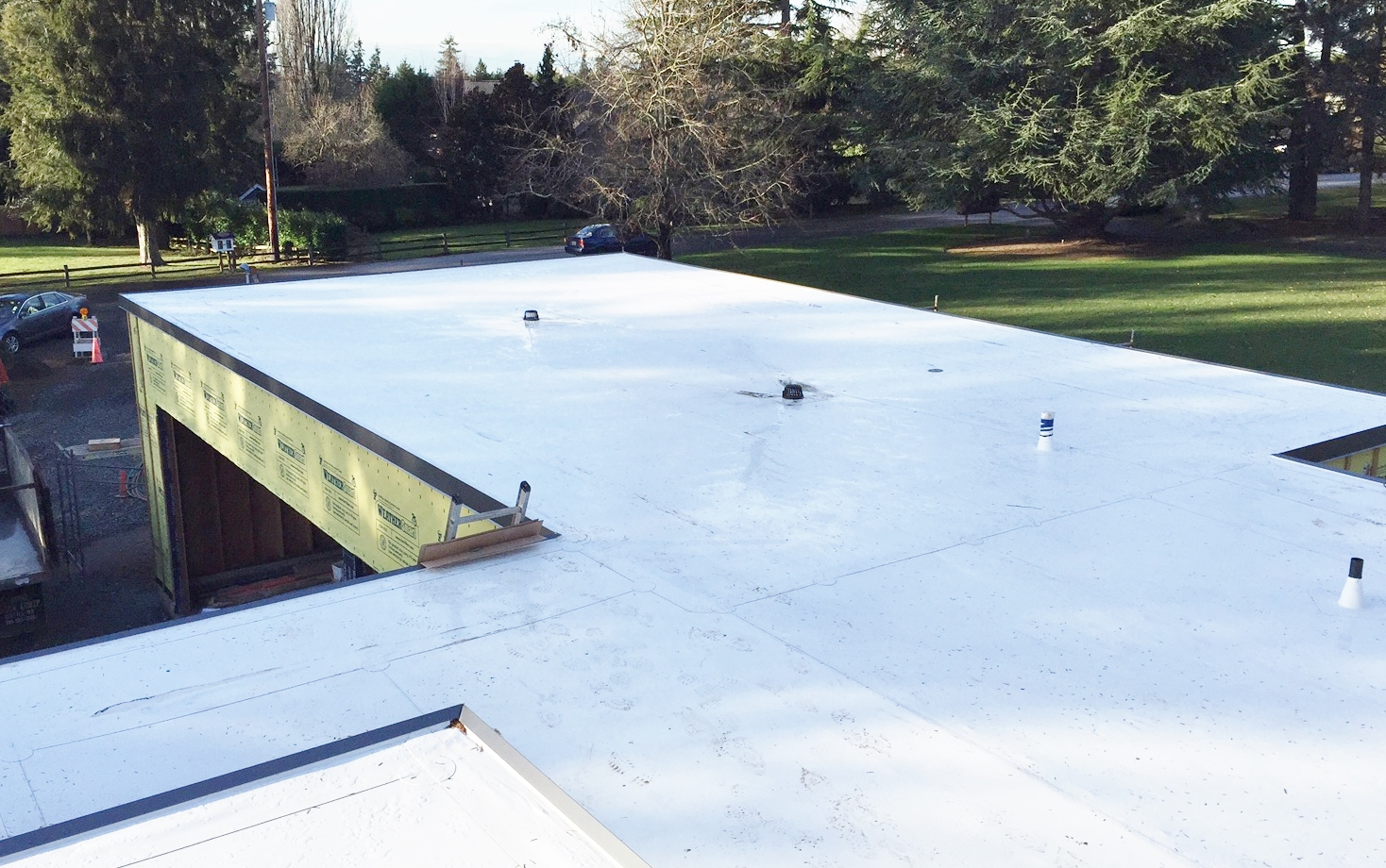 Modern vinyl heat seamed roofing