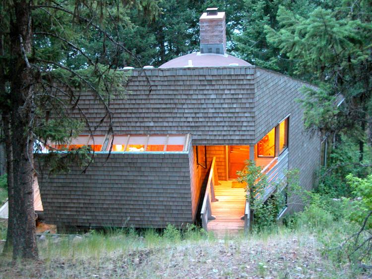 z_hillside_cabin_2.jpg