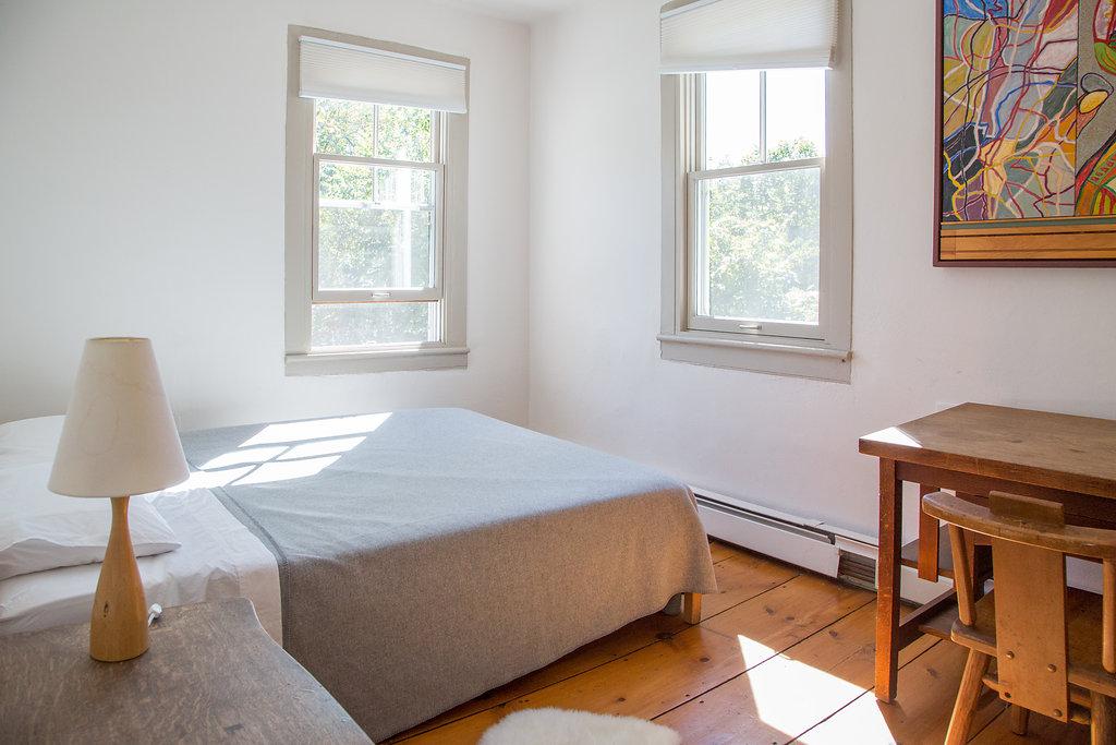 Queen Bed $660    Full Bed $620