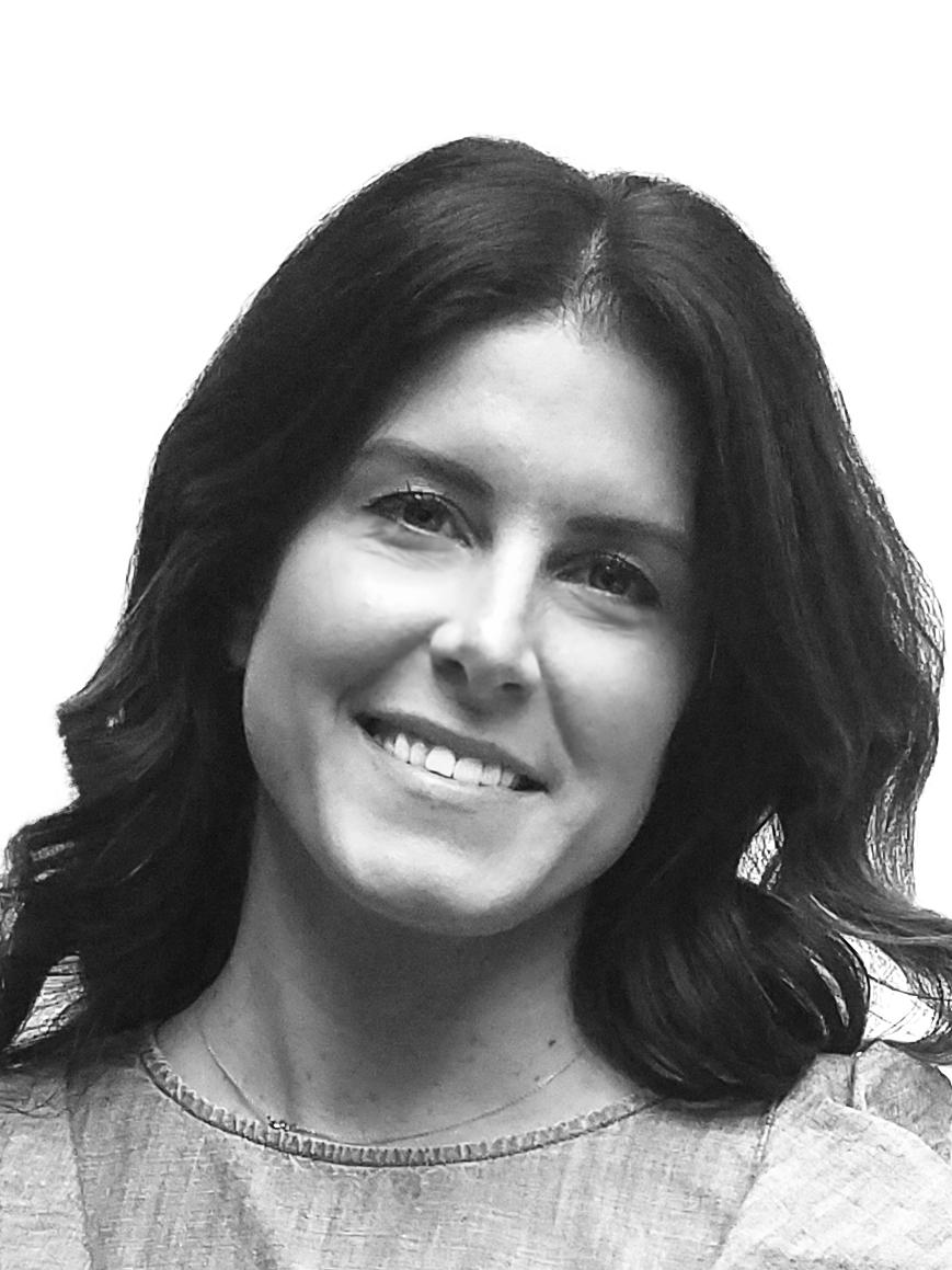 SArah SIMOS - marketing director