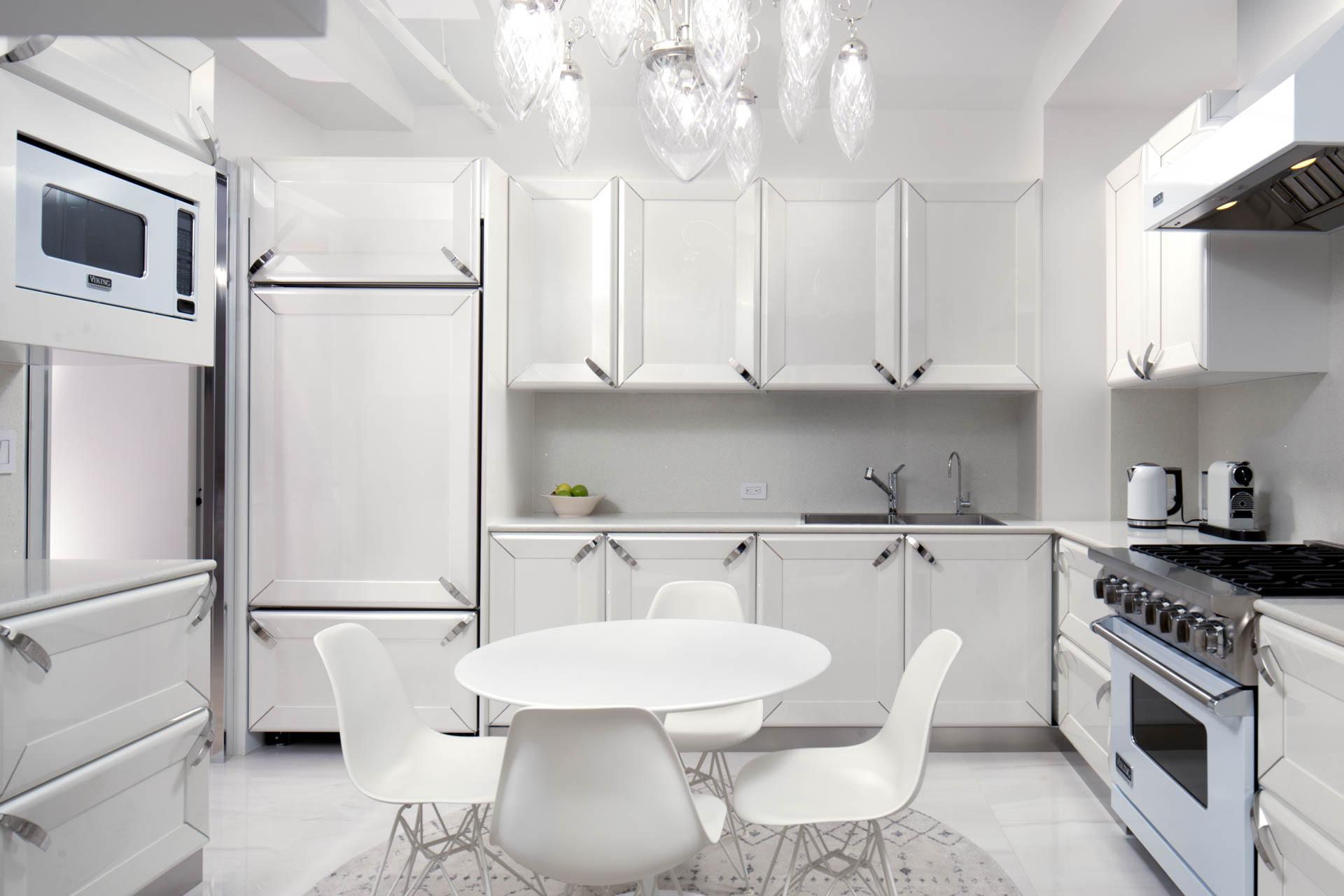 UEG Manhattan Apartment web-3.jpg