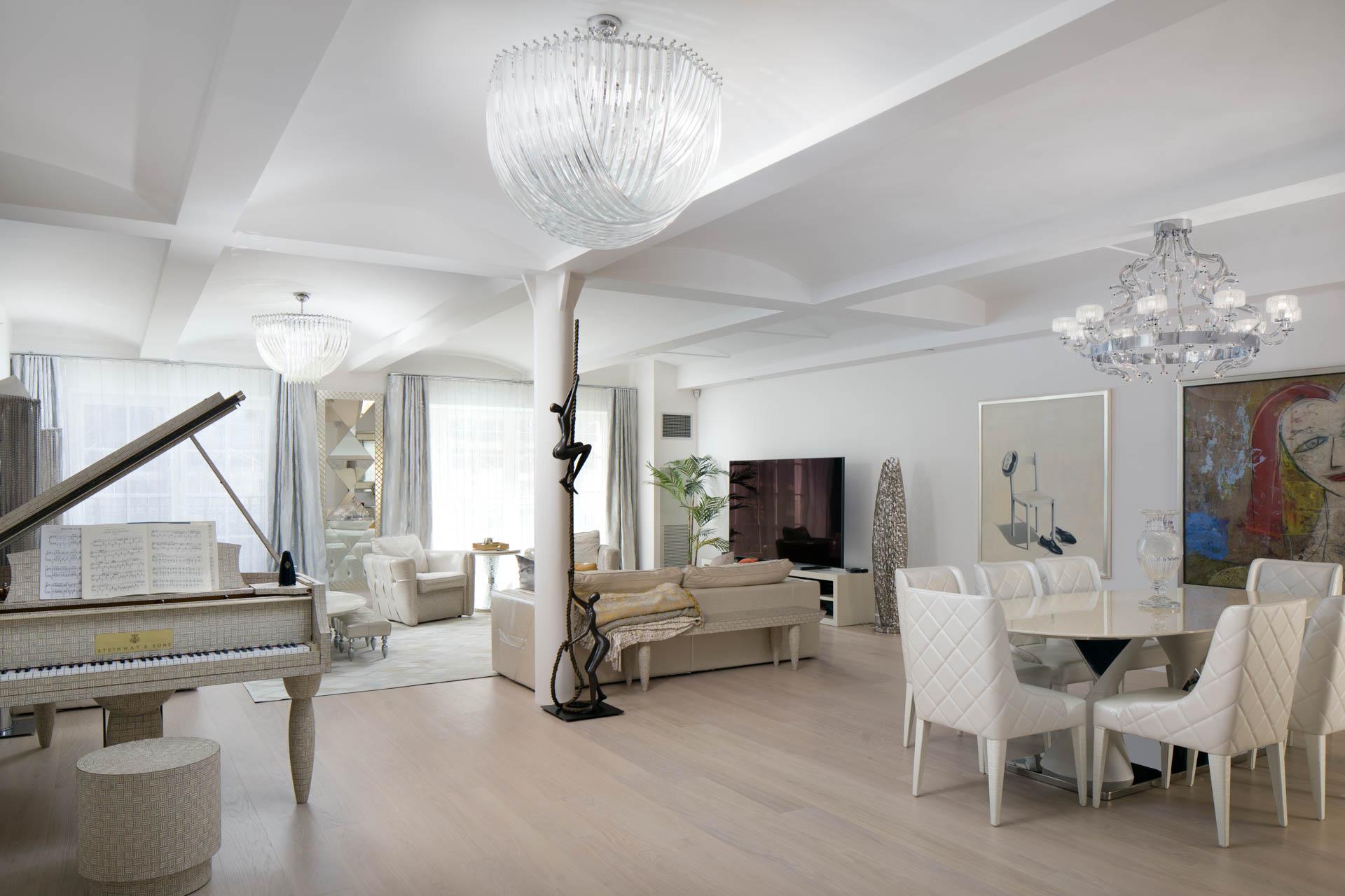 UEG Manhattan Apartment web-1.jpg