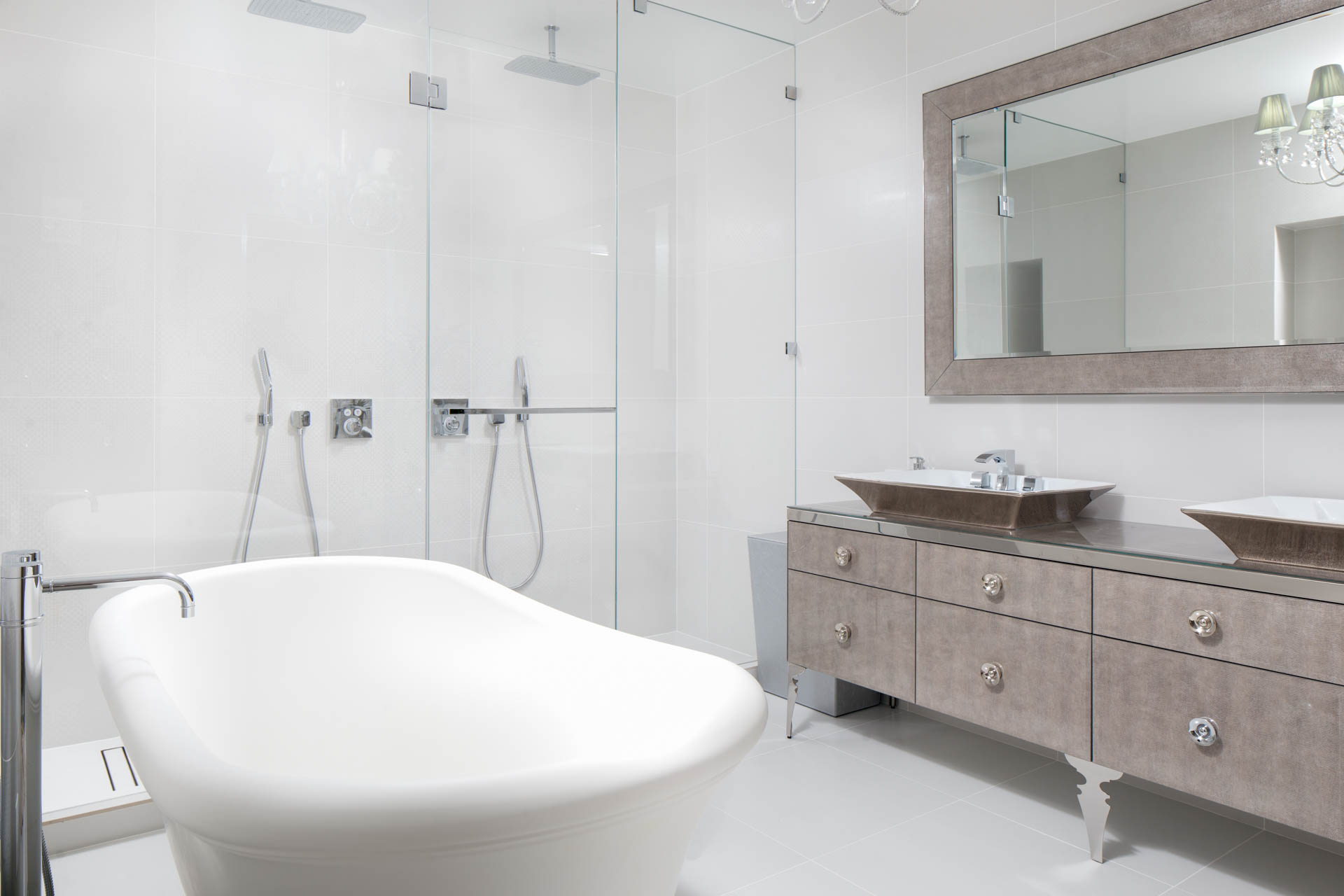 UEG Manhattan Apartment web-4.jpg