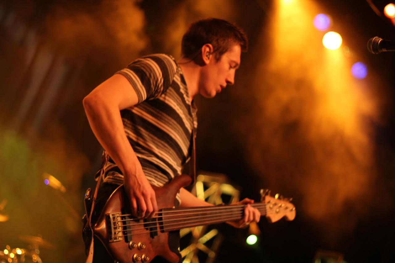 reaul-bass-michael-neeley-01.jpg