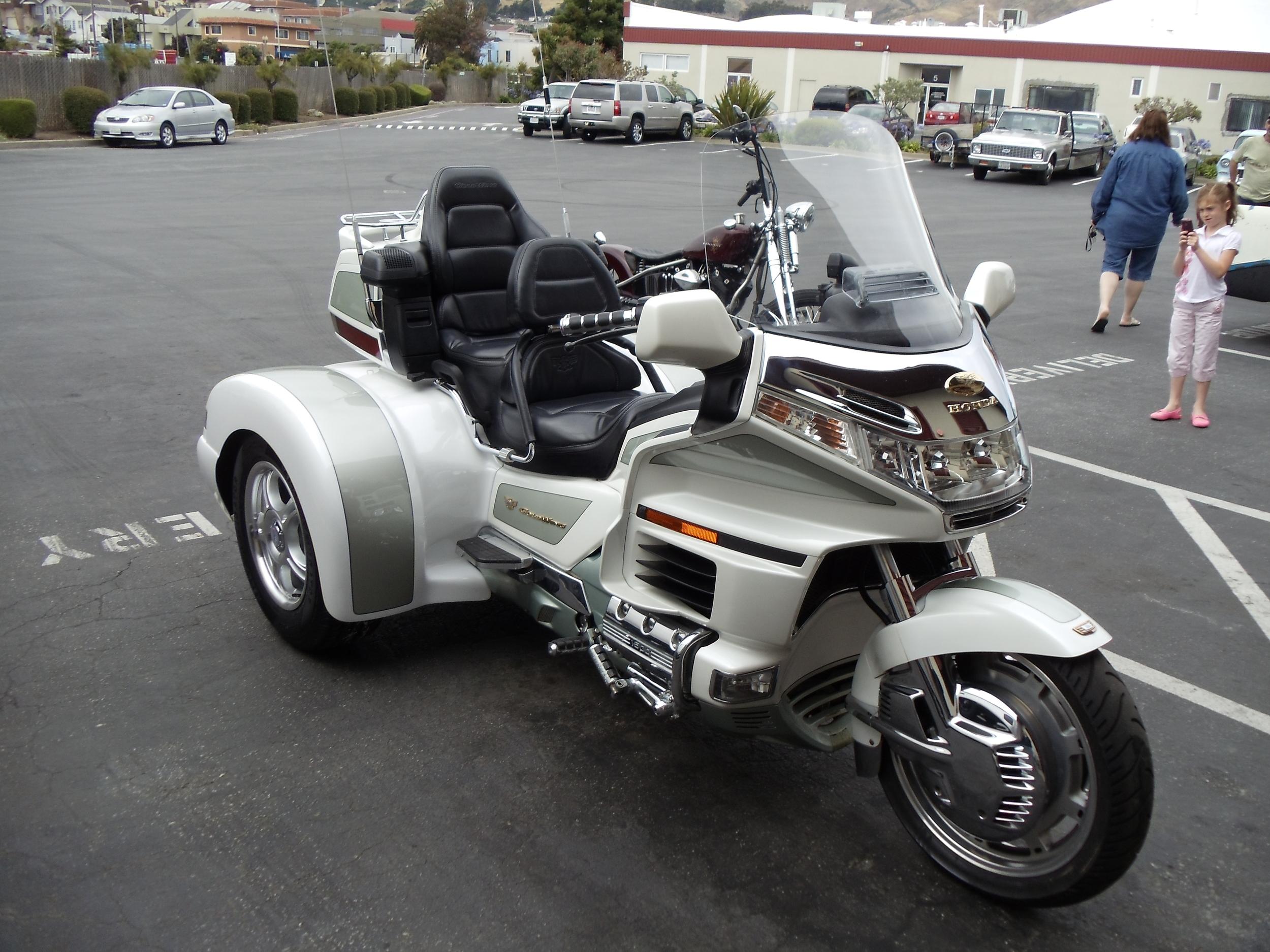 Honda Gullwing Trike Conversion