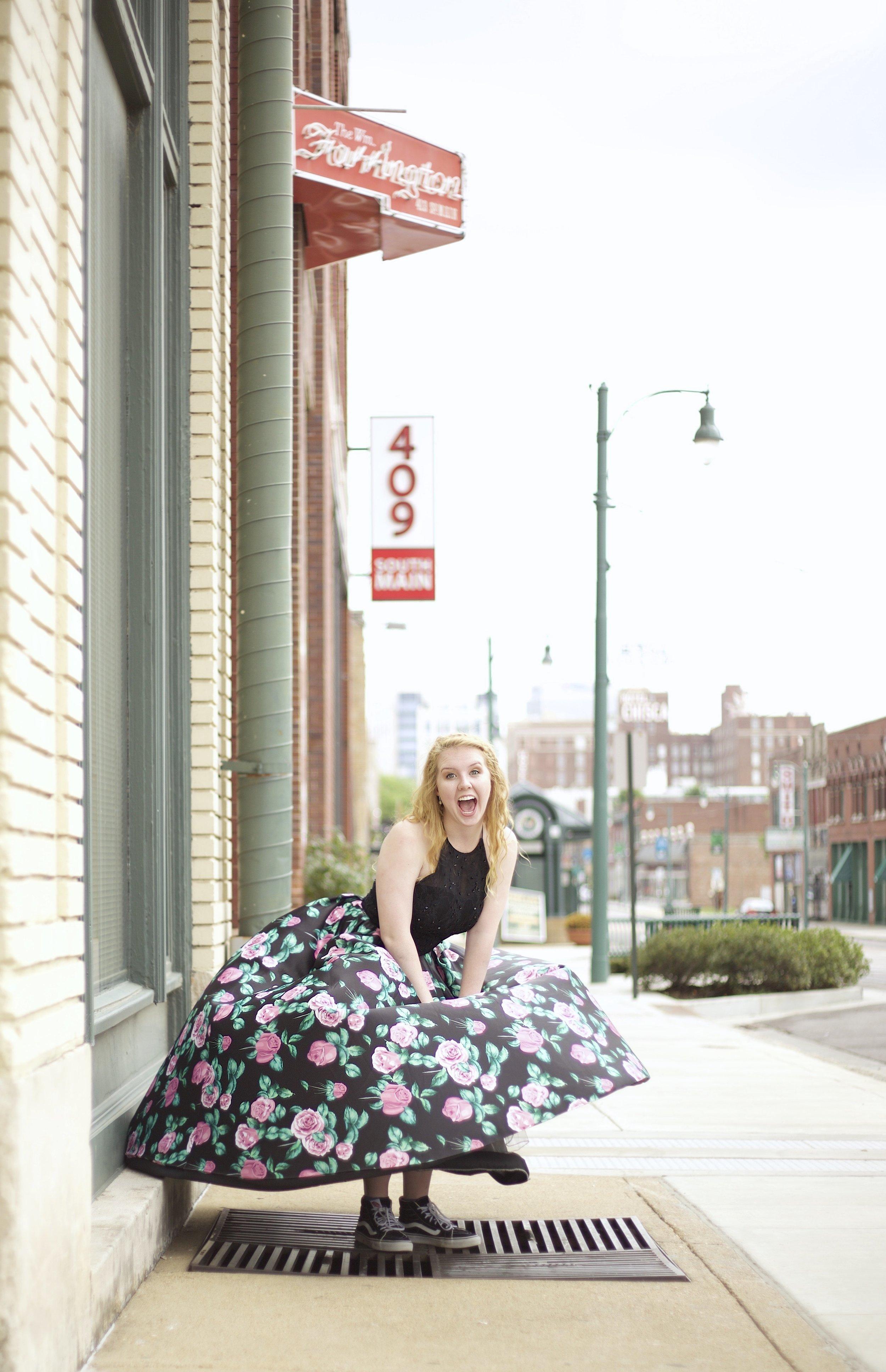 Downtown-Memphis-Senior-Photos