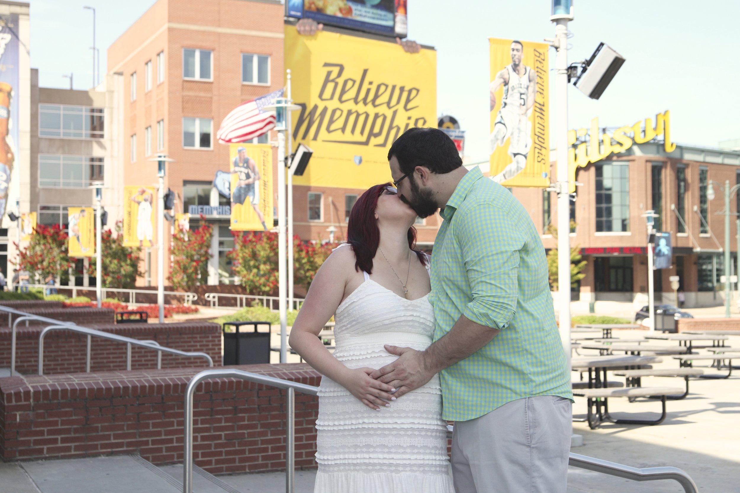 Maternity-Photos-Memphis