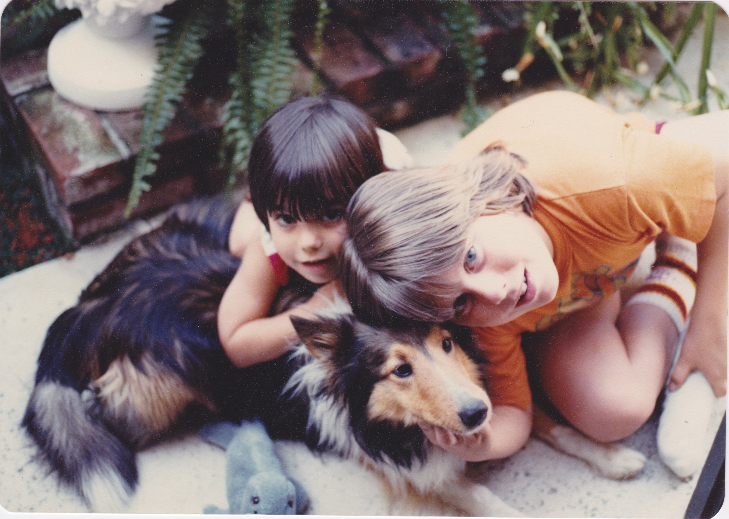 Lil Amanda with her brother Chris and their dog Prince