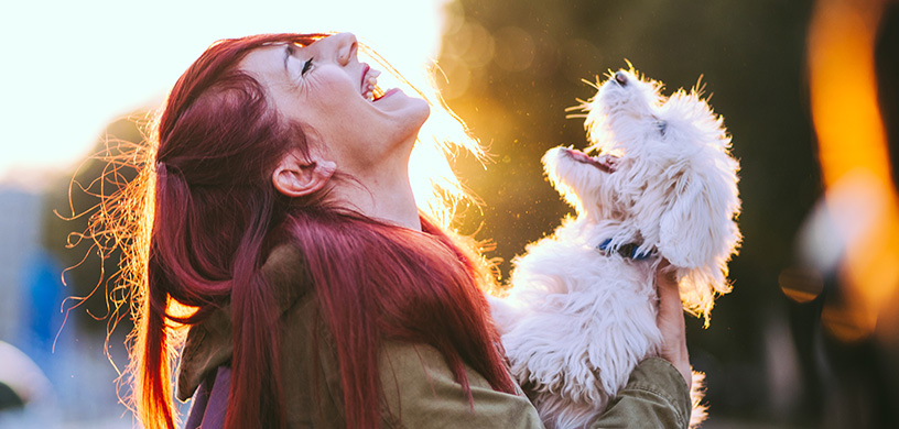 Sama_Dog_Woman_Laughing_With_Dog