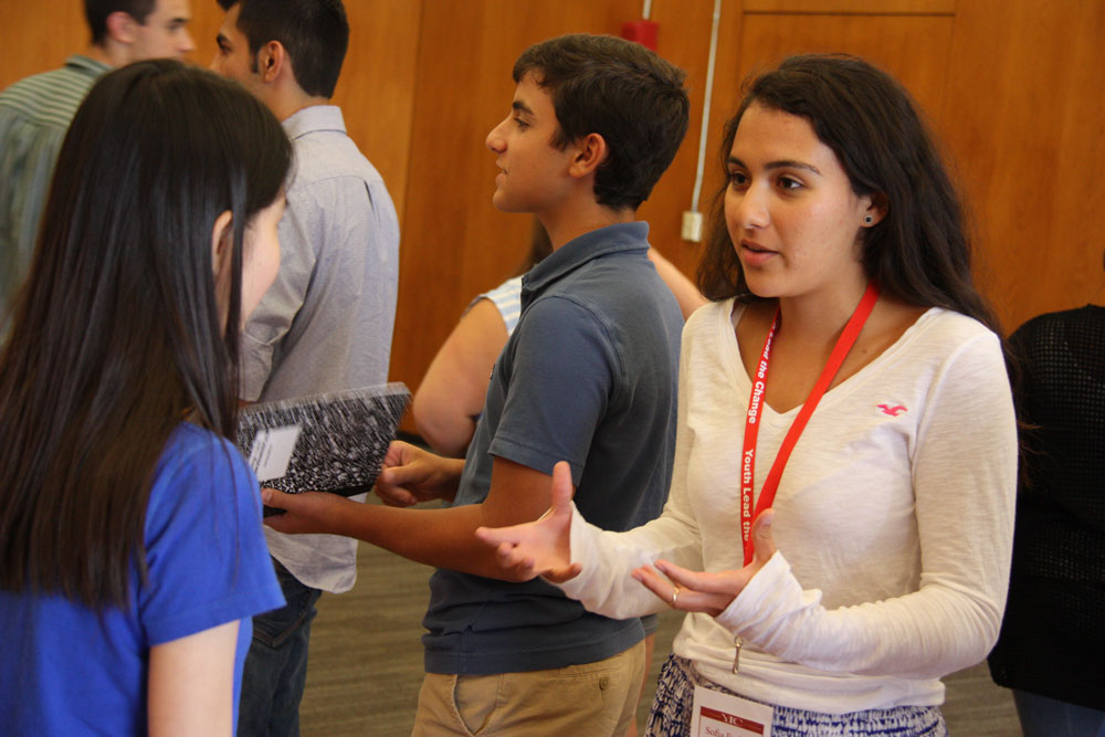 Students Give Elevator Pitches to Each Other