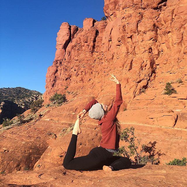 A year ago; there I was. How much has changed for you this year? . . . . #foodthatfeelsgood #yoga #yogaeverydamnday #yogalove #yogalife #yogagirl #yogi #yogaeverywhere #namaste #practice #love #igyoga #yogapractice #yogaeveryday #yogini #yogainspiration #practiceandalliscoming #meditation #instayoga #strength #inspiration #bellrockvortex #desertyoga #desertyogi #arizona