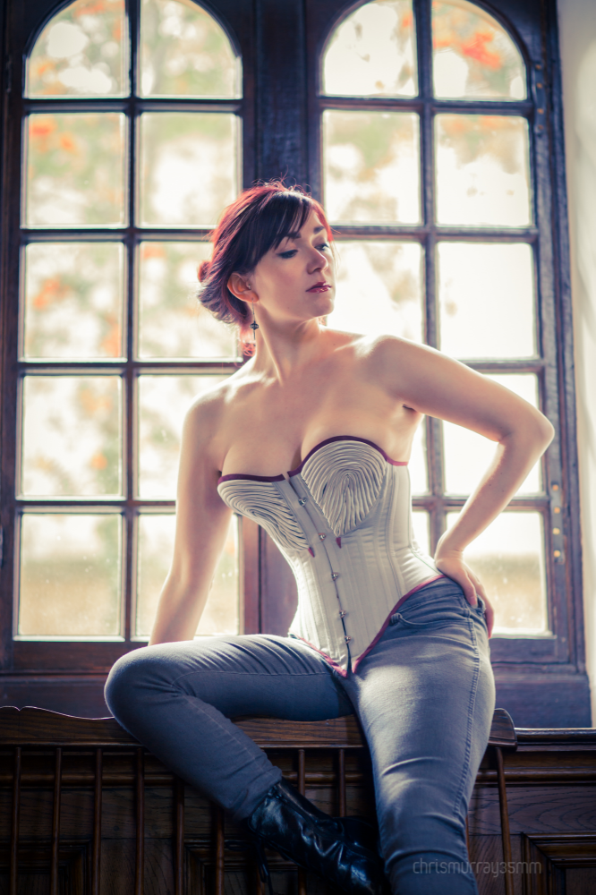 Corset: Caroline Woolin | Model: Victoria Dagger | Photo © Chris Murray