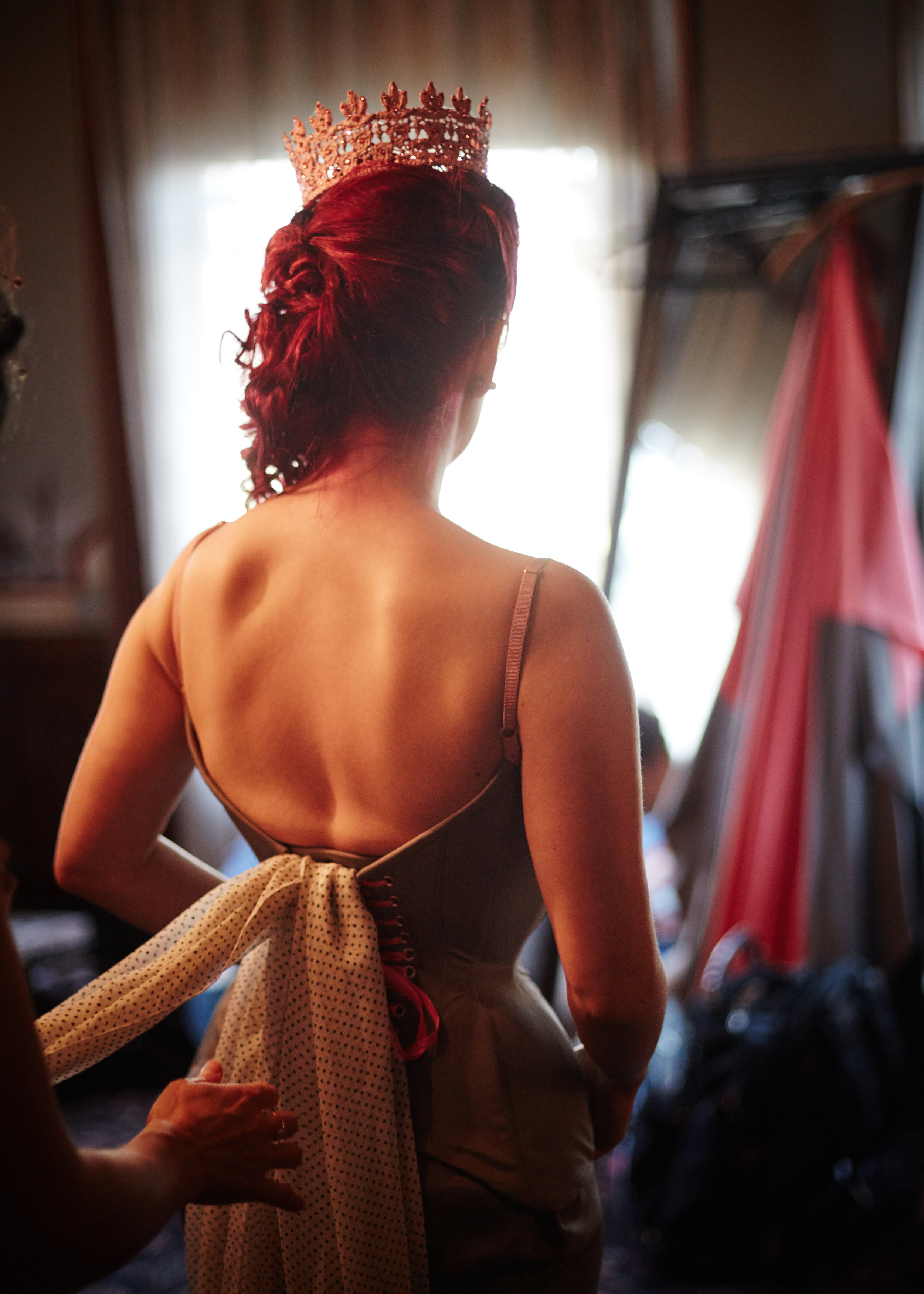 Pop Antique  with  Dark Garden  – bespoke low-back wedding corset with chiffon drape | Bride: Marianne Faulkner of Pop Antique | Drapist: Autumn Adamme of Dark Garden | Photo © Gaede-Glass Photography