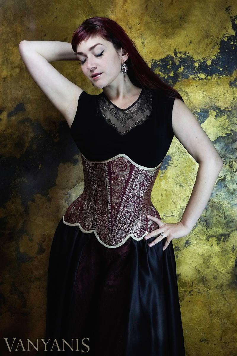 "Corset:  Vanyanis ""Lady Esha"" Sari Corset  | Model: Victoria Dagger | Photo © Jenni Hampshire"