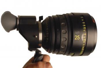 Movie_camera_support_directors_viewfinder.jpg