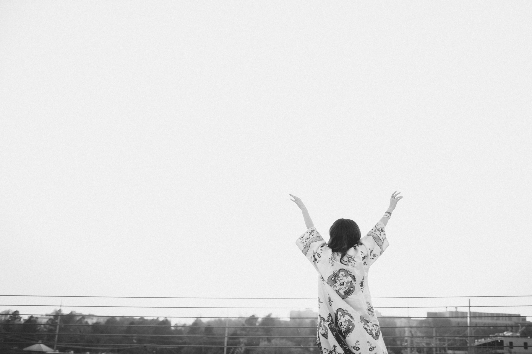 Eldridge_Edit_Anna_E_Cottrell_Tulip_Louise_Fashion_Blogger_Kimono_Deconstructed_Oversized_Boyfriend_Jean_Denim_Mother-White_T-shirt_Tom_Ford_Glasses_Joie_Heel_12.jpg