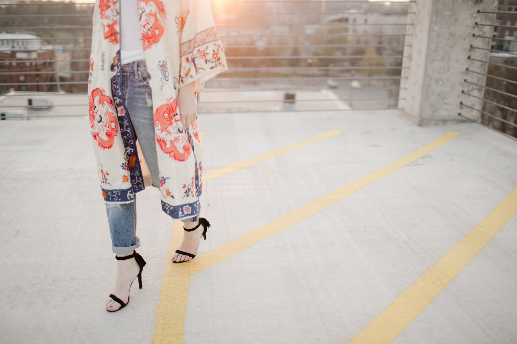 Eldridge_Edit_Anna_E_Cottrell_Tulip_Louise_Fashion_Blogger_Kimono_Deconstructed_Oversized_Boyfriend_Jean_Denim_Mother-White_T-shirt_Tom_Ford_Glasses_Joie_Heel_6.jpg
